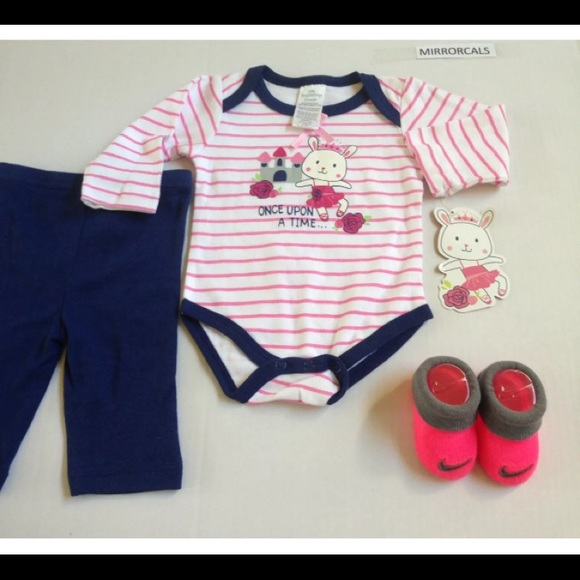 214e58cfed3a Baby Essentials Matching Sets | New Girls Nike Baby Booties 06m ...